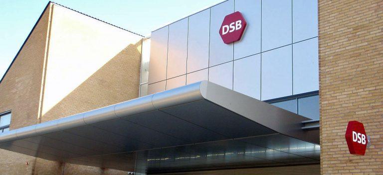 DSB angriber ytringsfriheden – vil tvinge kollegaer og forbund til tavshed - djf.dk